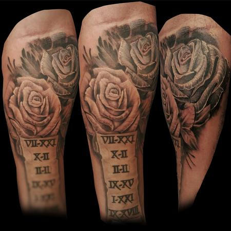 Tattoos - black and white rose - 112007
