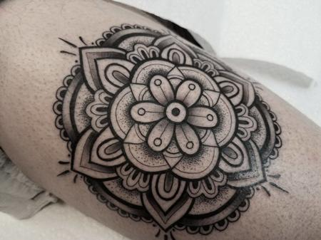 Tattoos - Blackwork Mandala - 132003