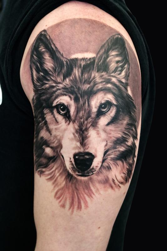 Wolf by rudy lopez tattoonow for Tattoo shop albuquerque nm