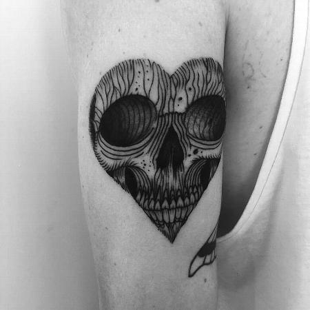 Tattoos - heart skull - 127101