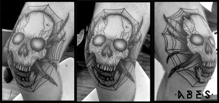 Tattoos - skull knee - 110198