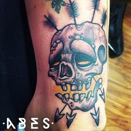 Tattoos - skull with die - 95979
