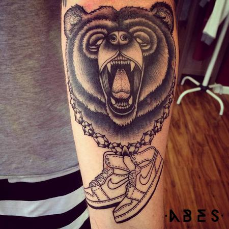 Tattoos - bear sneackers - 110208