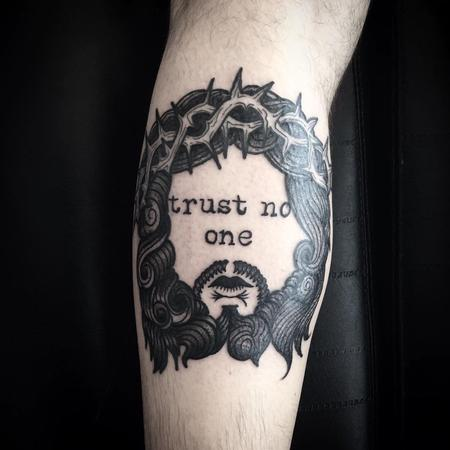 Tattoos - trust no one - 128700