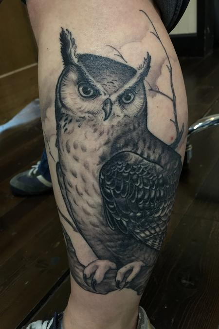Shawn Hebrank - Black and Grey Owl cover up