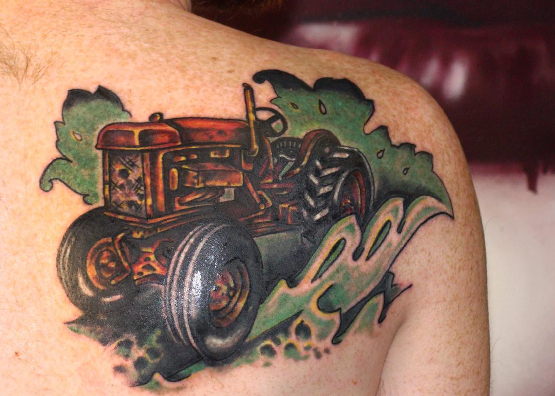 Тату трактора