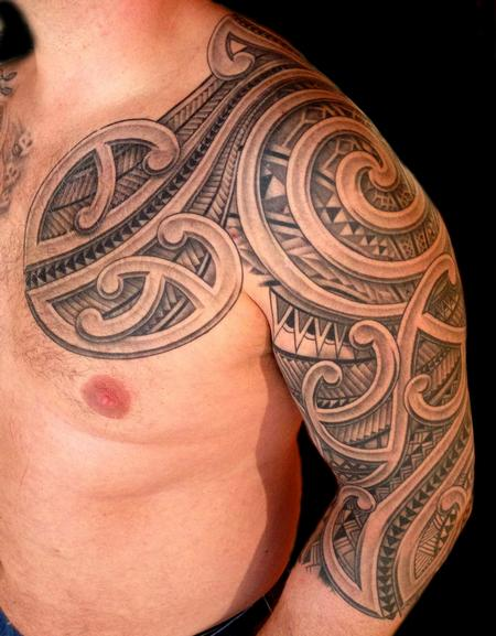 Polynesian pec and 3 4 sleeve by audi tattoos for 3 4 sleeve tattoo