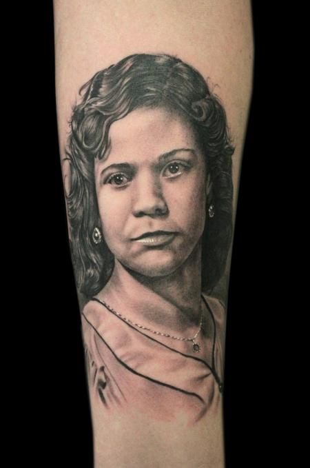 MOM PORTRAIT Tattoo Design Thumbnail