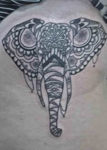 Tattoos - Elelphant on the thigh - 98730