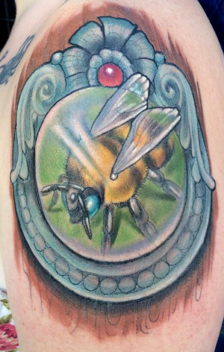 Bee in a frame tattoo by Katelyn Crane: TattooNOW :