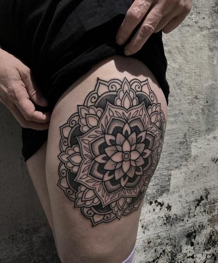 Laura Jade - Floral mandala thigh tattoo