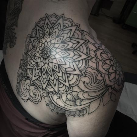 Shoulder mandala line work  Design Thumbnail