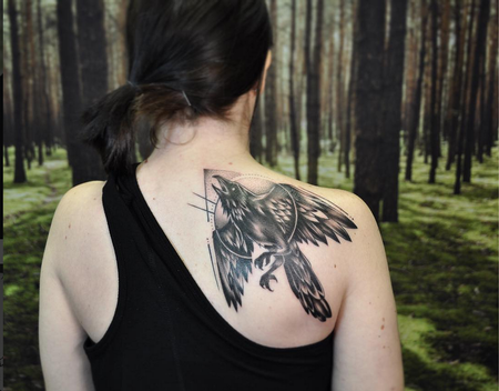Tattoos - Blackwork-style Raven on Shoulder- Instagram @michaelbalesart - 123102