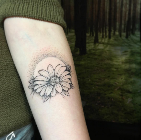 Dotwork Daisy. Instagram @MichaelBalesArt Tattoo Thumbnail