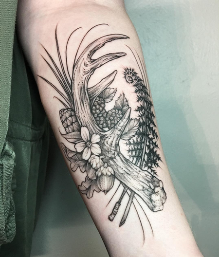 Antler and Floral on Bicep- Instagram @MichaelBalesArt Tattoo Thumbnail