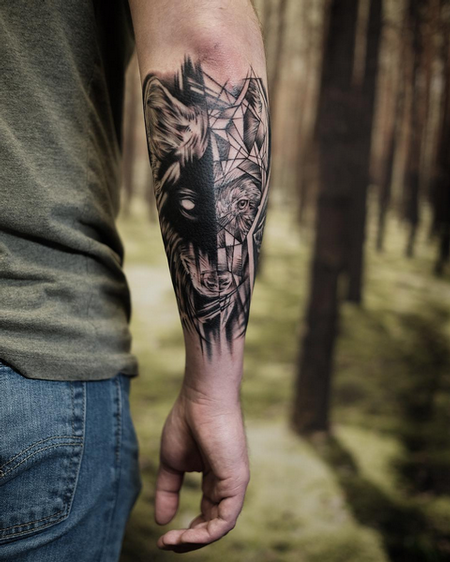 Realistic/Geometric Wolf on Forearm- Instagram @MichaelBalesArt Tattoo Thumbnail