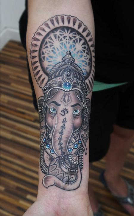 Obi - dotwork ganesh mandala tattoo
