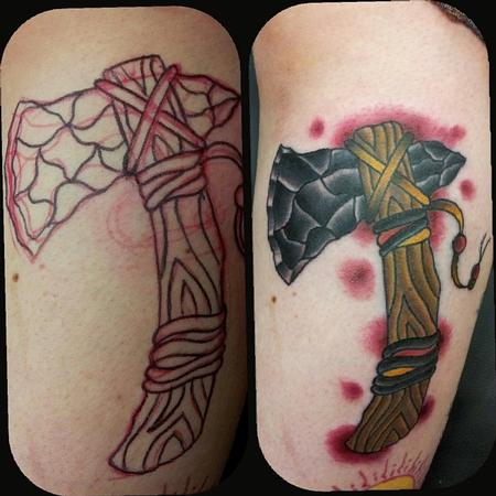 Tattoos - Indian Tomahawk - 105006