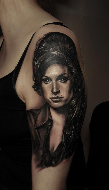 Tattoos - amy Winehouse - 112425