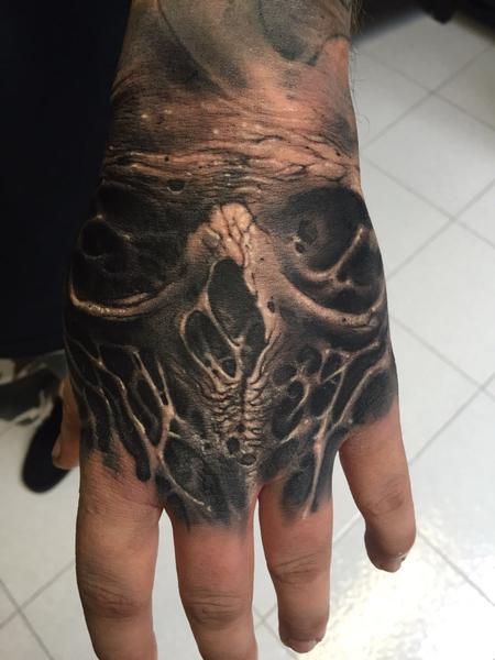 Stefano Fabretti - Hand's skull roots