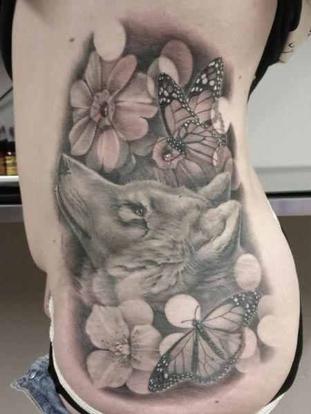 Wolf, butterflies and flowers Design Thumbnail