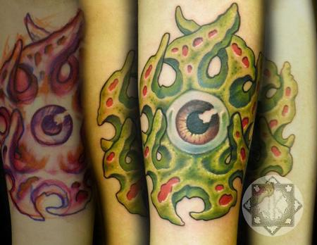 The Art of Joe King - Creepy Bio-Organic Eyeball Tattoo