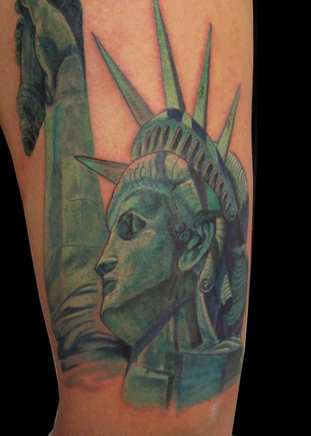Statue of liberty tattoo by andre cheko tattoonow for Statue of liberty tattoo