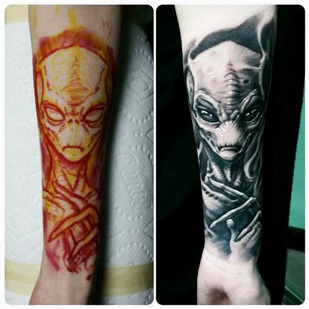 Tattoos - Grey Alien - 128771