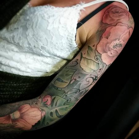 Yorick Fauquant - Color flowers, lush jungle, fern sleeve, art nouveau, neo traditional Yorick Tattoo
