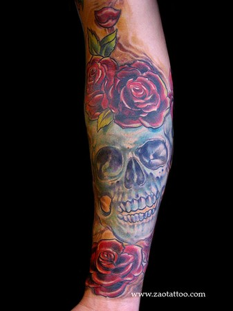 Muriel Zao - Skull and Roses Tattoo