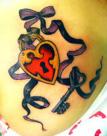 Значение тату звезда и сердце