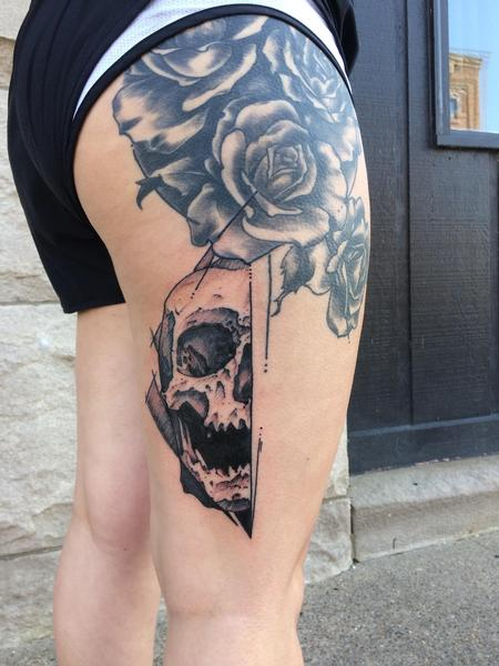 Tattoos - Half skull - 128273