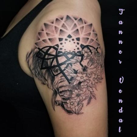 Tattoos - Geometric_Elephant_byTannerVendal - 133050