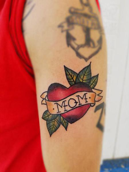 Cassie L - Traditional Mom