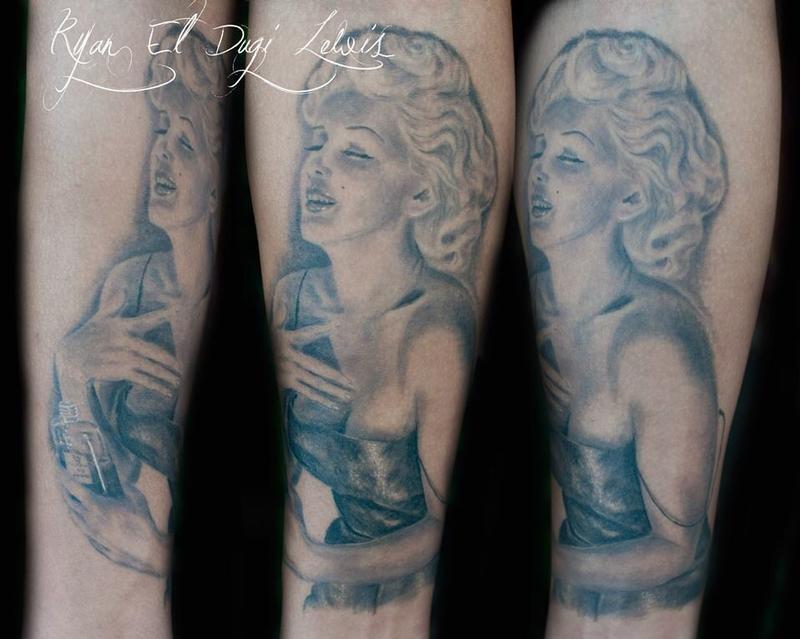 Tattoos - Marilyn Monroe portrait Channel no 5 - 89544