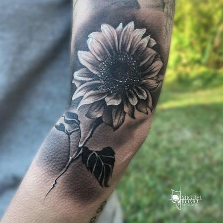 Sunflower Tattoo Tattoo Design Thumbnail