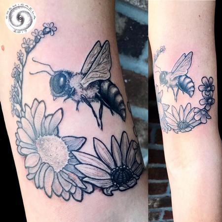 Bee & Flowers Tattoo Thumbnail