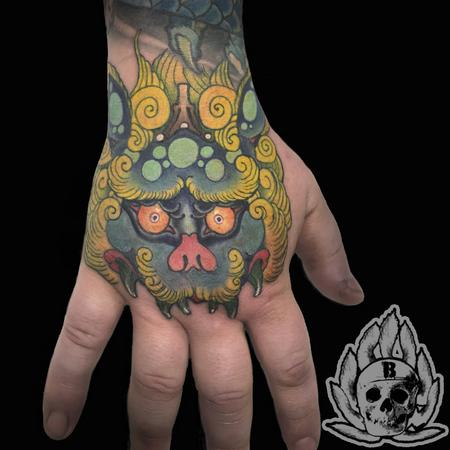 Tattoos - foo dog hand - 134193