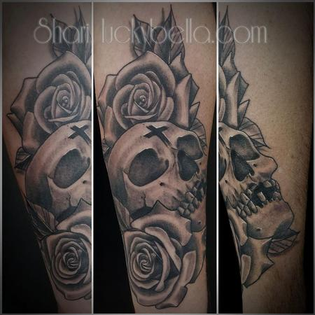 Shari Qualls - skull and roses