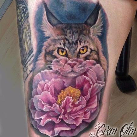 Evan Olin - Full color painterly realistic Maine coon cat and peony flower tattoo