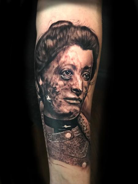 Mike Romasco - Post mortem victorian woman