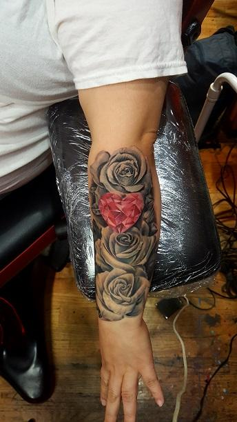 Tattoos - Roses with Heart Gem - 130325