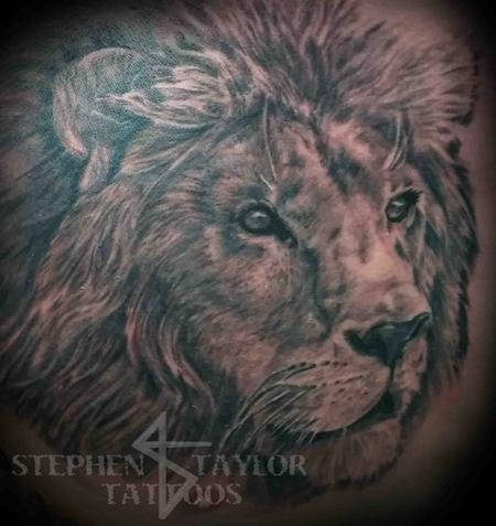 Tattoos - lion on right side of chest. - 102506