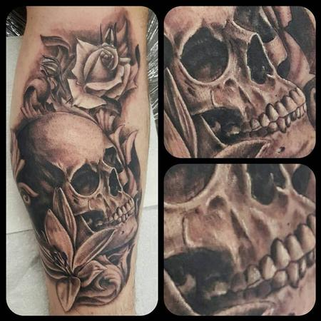 Tattoos - Skull and roses - 133752