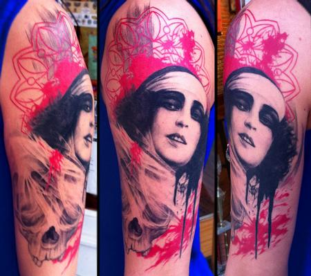 Tattoos - Woman with skull - 74829