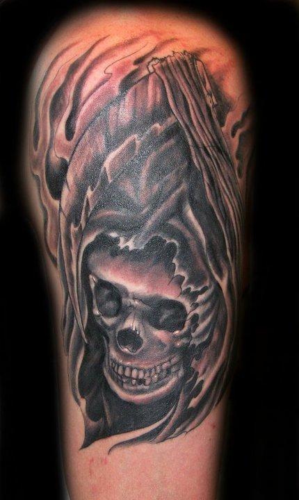 Black and Grey Skull Tattoo Tattoo Design