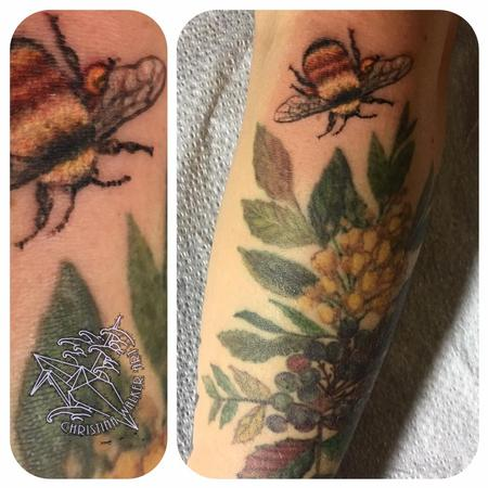 Tattoos - Bee and Oregon grapes - 125740