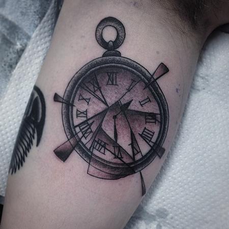 broken pocket watch Tattoo Design