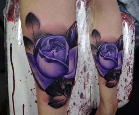 Alan Aldred - Feminine Purple Rose Tattoo