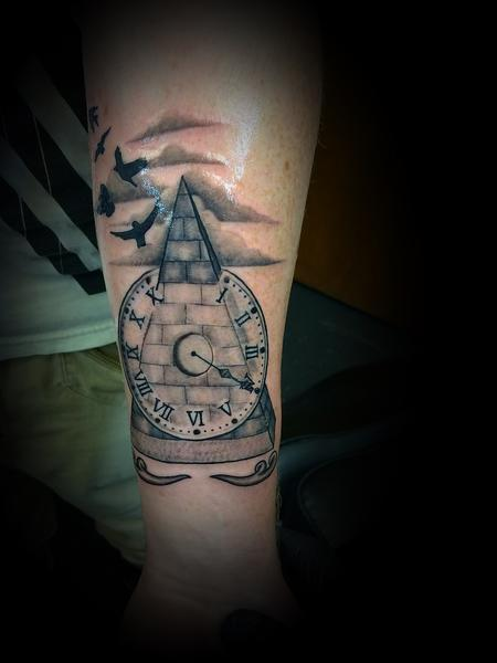 Tattoos - Pyramid and clock - 137572